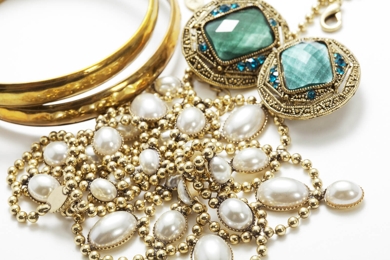 Vintage Jewelry in NYC: A Fashionably Historical Journey
