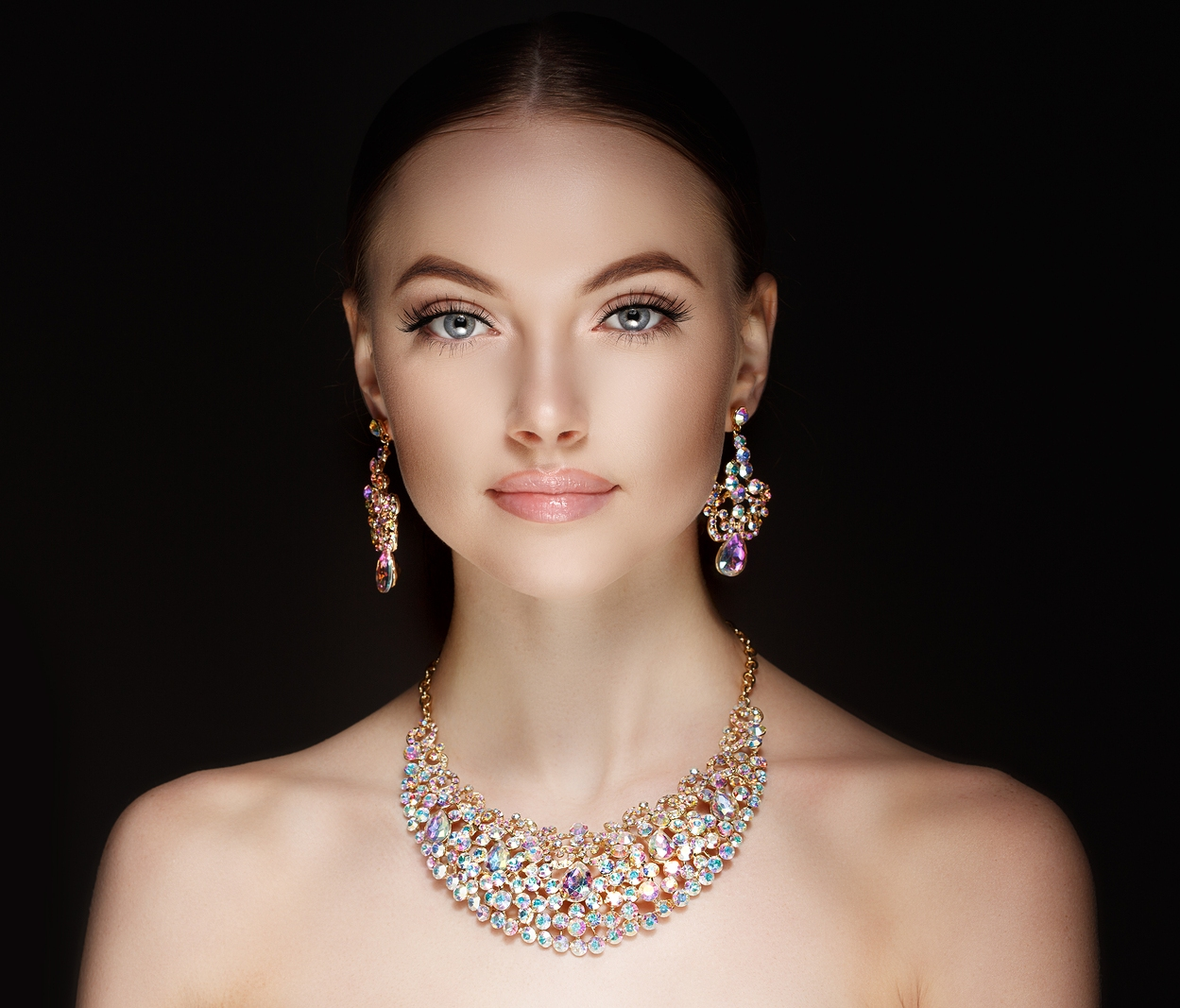 Free Your Style Goddess with a Dazzling Necklace